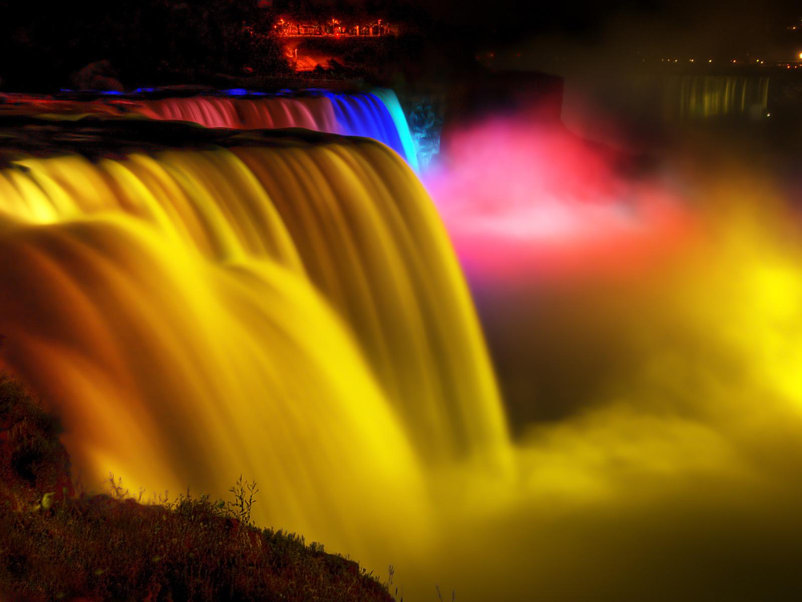 Niagara-Falls_night_travel_Niagara-Falls_trip_hottrip-net2