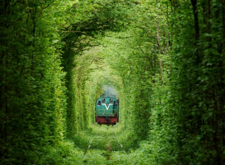 Tunnel-of-Love-in-Ukraine-6-740x544