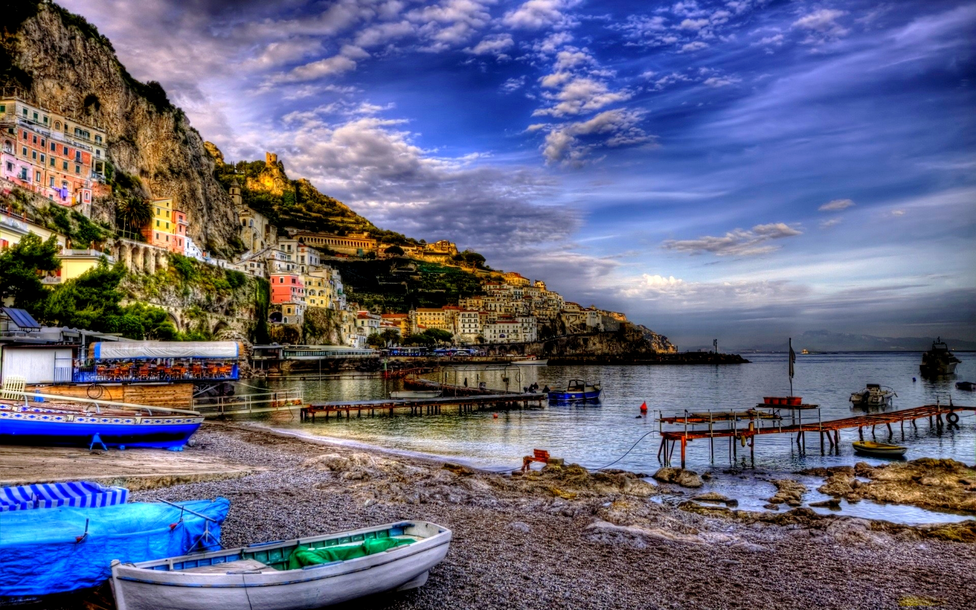 nature-landscapes_widewallpaper_fantastic-riomaggiore-italy-hdr_17429