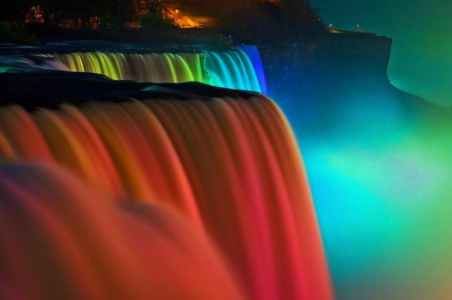 niagara-falls-at-night-keith-allen