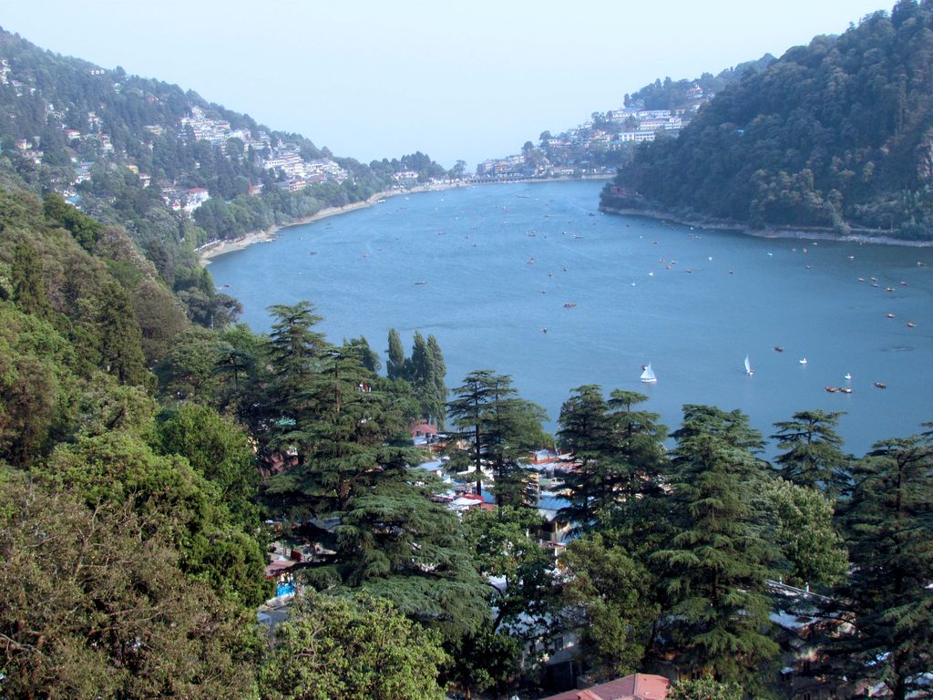 the-eyeshaped-naini-lake