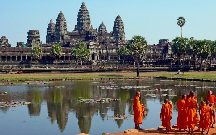 437624_drevnie-civilizacii_kambodzha_xram_angkor-vat_1680x1050_(www.GdeFon.ru)