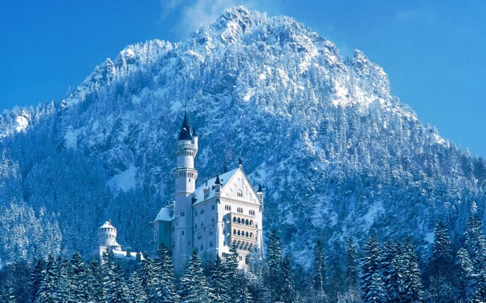 Famous-Neuschwanstein-Castle