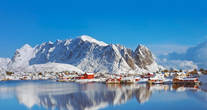 fishing_village_lofoten_islands_norway_20120117
