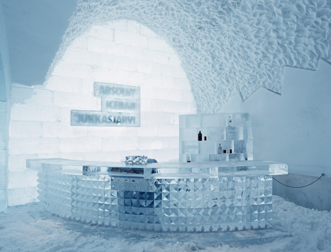 ice_hotel_holiday_470681
